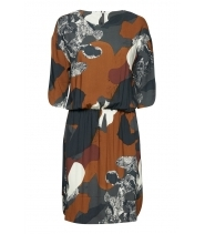 Kjole med print fra b.young