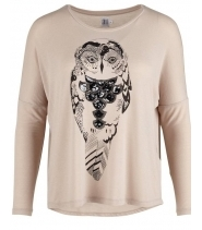 Tee with owl artwork